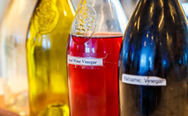 ocet v lahvích